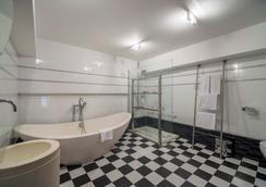プチ パレス プレジデント カステラナ - マドリード - 浴室