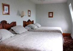 The National Hotel - New Shoreham - 寝室