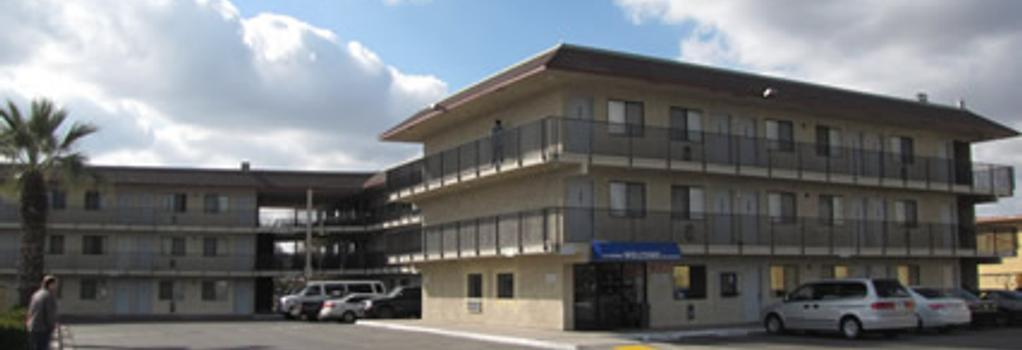 Valley Inn Fresno - フレズノ - 建物