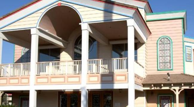 E-z 8 Motel Bakersfield - ベーカーズフィールド - 建物