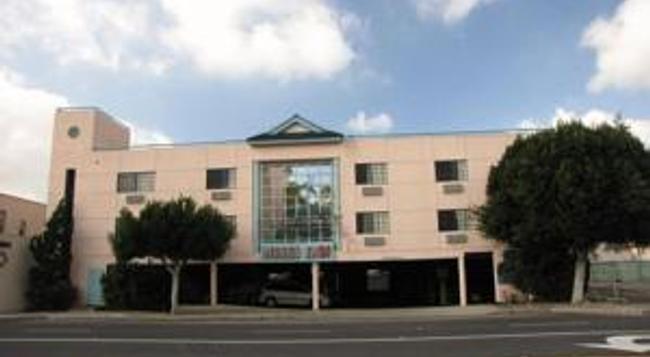 ニセイ イン - ガーデナ - 建物