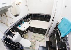 Majskij Aparthotel - サンクトペテルブルク - 浴室