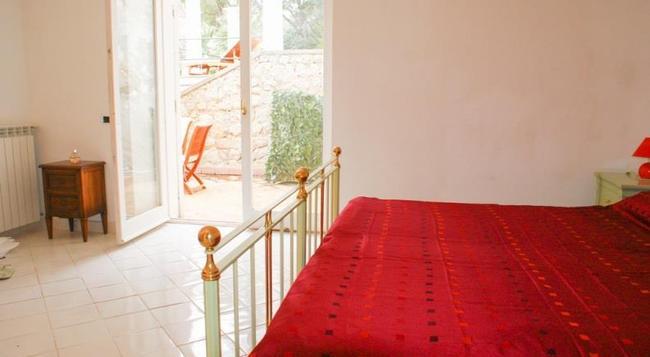 ヴィラコーレ - Capri - 寝室