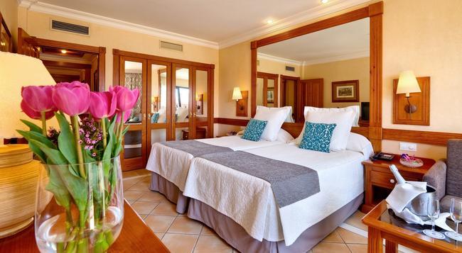 コスタ アデヘ グラン ホテル - アデへ - 寝室