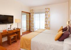 イサベル ホテル - アデへ - 寝室