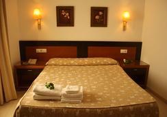 Hotel Restaurante Blanco y Verde - Conil de la Frontera - 寝室