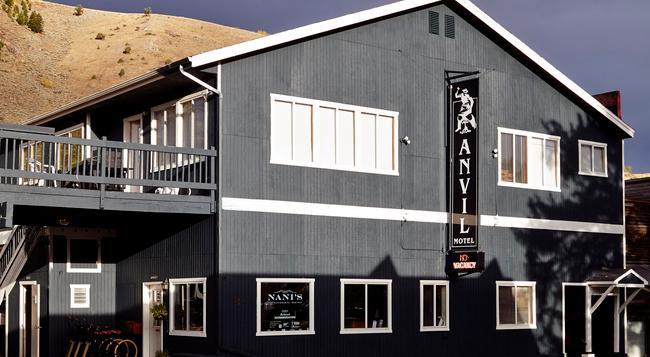 Anvil Hotel - ジャクソン - 建物