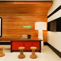 ポッド 39 Concierge Desk
