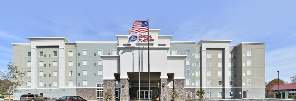 Hampton Inn & Suites Greensboro/Coliseum Area, NC - グリーンズボロ - 建物