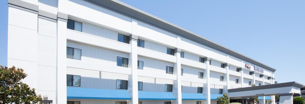 Baymont Inn & Suites Texarkana - Texarkana - 建物