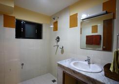 Royal Astoria Hotel - カトマンズ - 浴室
