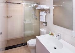 Jaslin Hotel - シカゴ - 浴室