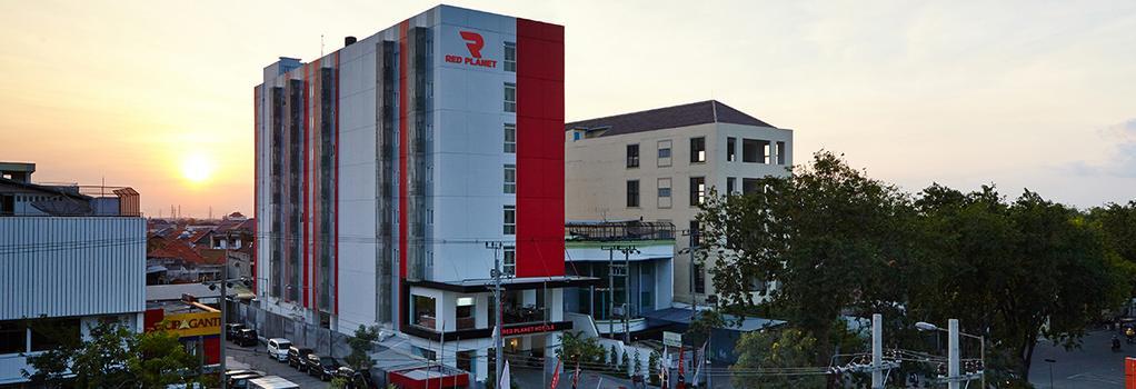 Red Planet Surabaya - スラバヤ - 建物