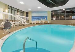 Wyndham Philadelphia-Mount Laurel - Mount Laurel - プール