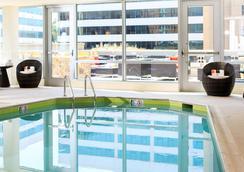 ルネッサンス アーリントン キャピタル ビュー ホテル - アーリントン - プール