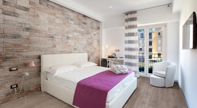 Vホーム - ソレント - 寝室