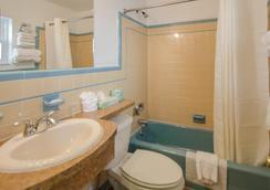 Dolphin Inn - ワイルドウッド - 浴室