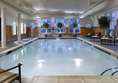 Green Mountain Suites Hotel - South Burlington - プール