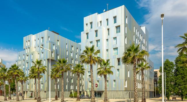 Homearound Rambla Suites & Pool - バルセロナ - 建物