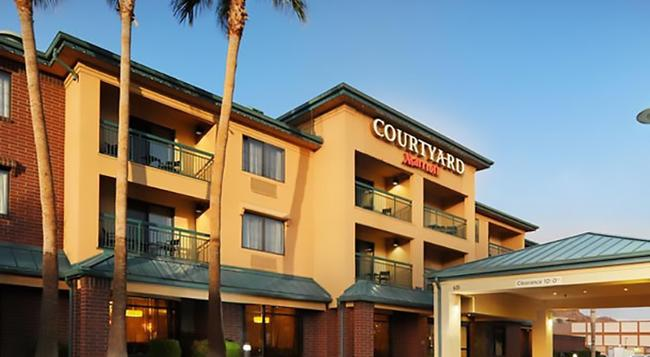 Courtyard by Marriott Tempe Downtown - テンピ - 建物