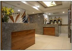 Hotel Rajmahal - プネ - ロビー