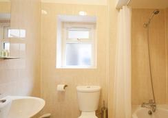 ユナイテッド ロッジ ホテル アンド アパートメンツ - ロンドン - 浴室