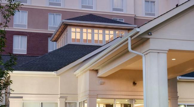 Hilton Garden Inn Albuquerque/Journal Center - アルバカーキ - 建物
