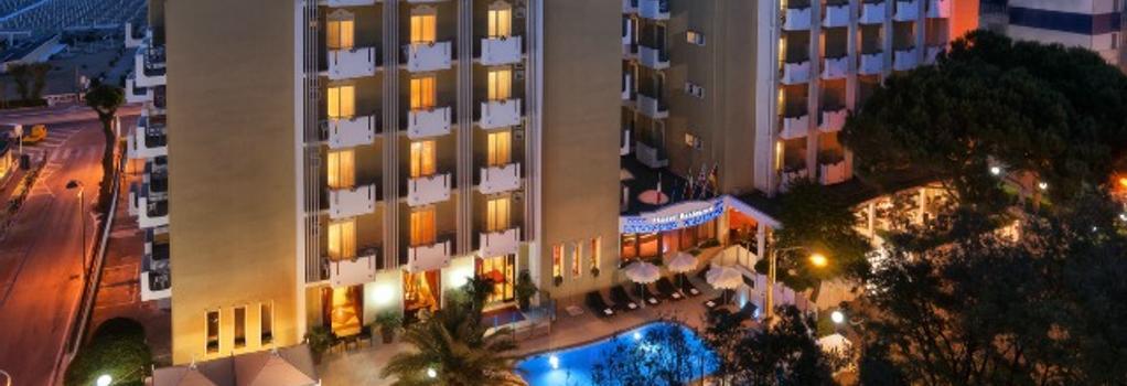 Litoraneo Suite Hotel - リミニ - 建物