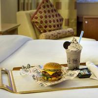 New York Marriott Downtown Bar/Lounge