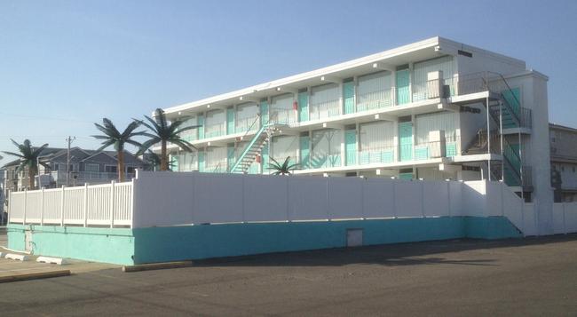 Island Breeze Motel - ワイルドウッド - 建物
