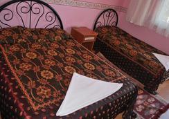 ホテル ドルト メヴシム - パムッカレ - 寝室