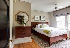Oakhurst Inn - シャーロッツビル - 寝室