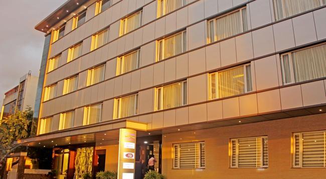 Rio The Hotel - バンガロール - 建物