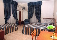 ホテル ニッツァ - トリノ - 寝室