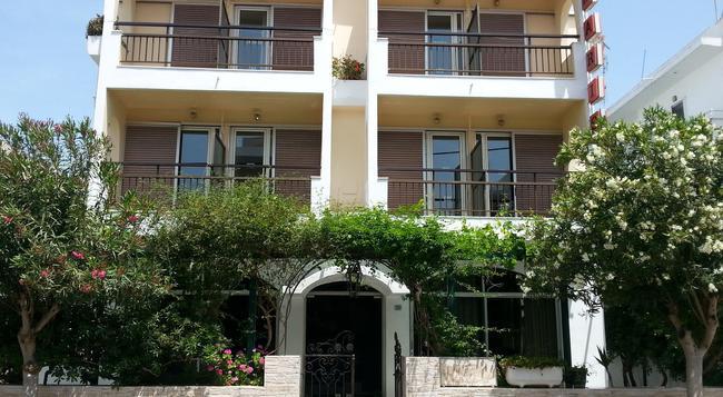 Karis Hotel - コス島 - 建物