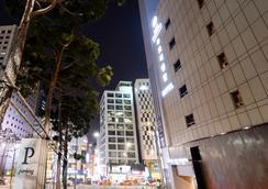 ホテル ニュー オリエンタル 明洞 - ソウル - 建物