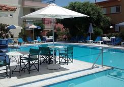 Dimitra & Evdokia Hotel - ハニア - プール
