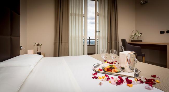 Hotel Tenuta Colle Piajo - ベルガモ - 寝室