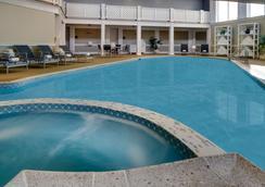 Hotel Viking - ニューポート - プール