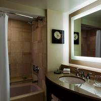 The Westin Buckhead Atlanta Traditional Guest Bathroom