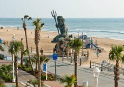 Four Points by Sheraton Virginia Beach Oceanfront - バージニア・ビーチ - ビーチ