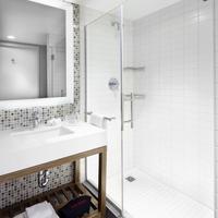 コートヤード バイ マリオット ニューヨーク ダウンタウン マンハッタン/ワールド トレード センター エリア Bathroom