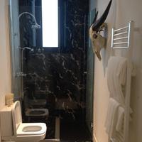 パープル ドッグ スイーツ Bathroom