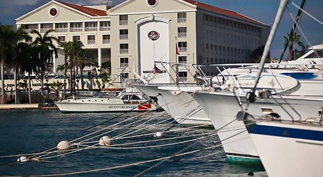 Renaissance Aruba Resort and Casino - オラニエスタッド - 建物