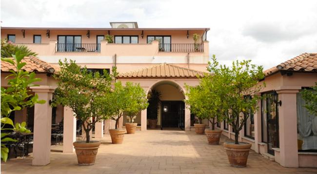 マンチーニ パーク ホテル - ローマ - 建物