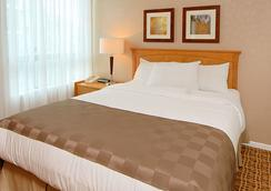 ランディス ホテル & スイーツ - バンクーバー - 寝室