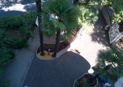 Hotel Villa Eugenia - ロヴラン - 屋外の景色