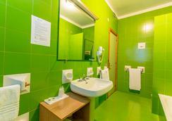 Hotel Residence Ulivi e Palme - カリアリ - 浴室