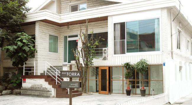 スペース トッラ - ソウル - 建物