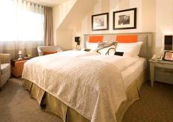 Strandhotel Ostseeblick - ゼーバート・ヘリングスドルフ - 寝室